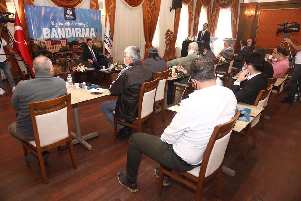 Başkan Tosun Gazetecilerle Bir araya geldi