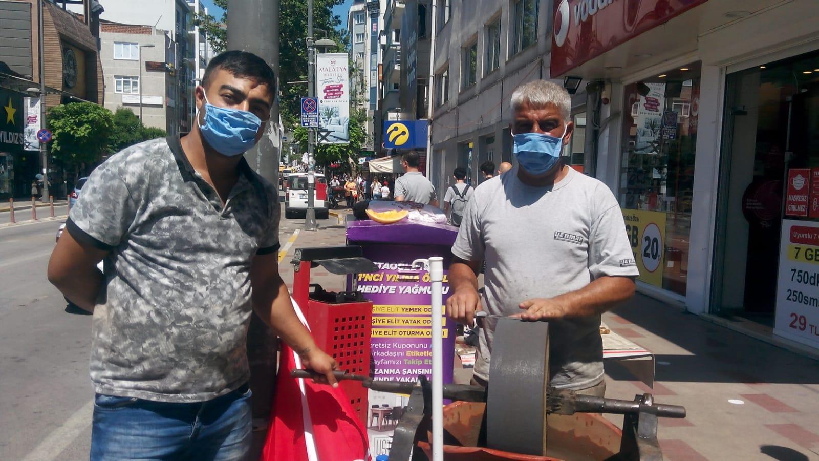 Bandırma'nın bıçak bileyicileri Asırlık geleneği yaşatmaya çalışıyorlar