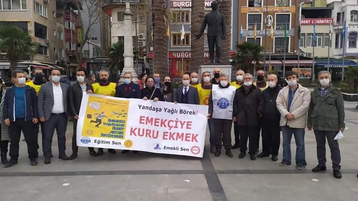 """DİSK EMEKLİ SEN VE EĞİTİM SEN MEYDANLARDA """" BİRLEŞE BİRLEŞE KAZANACAĞIZ"""" DEDİLER"""